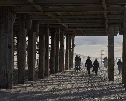 walking under the beach restaurant, capture one 20