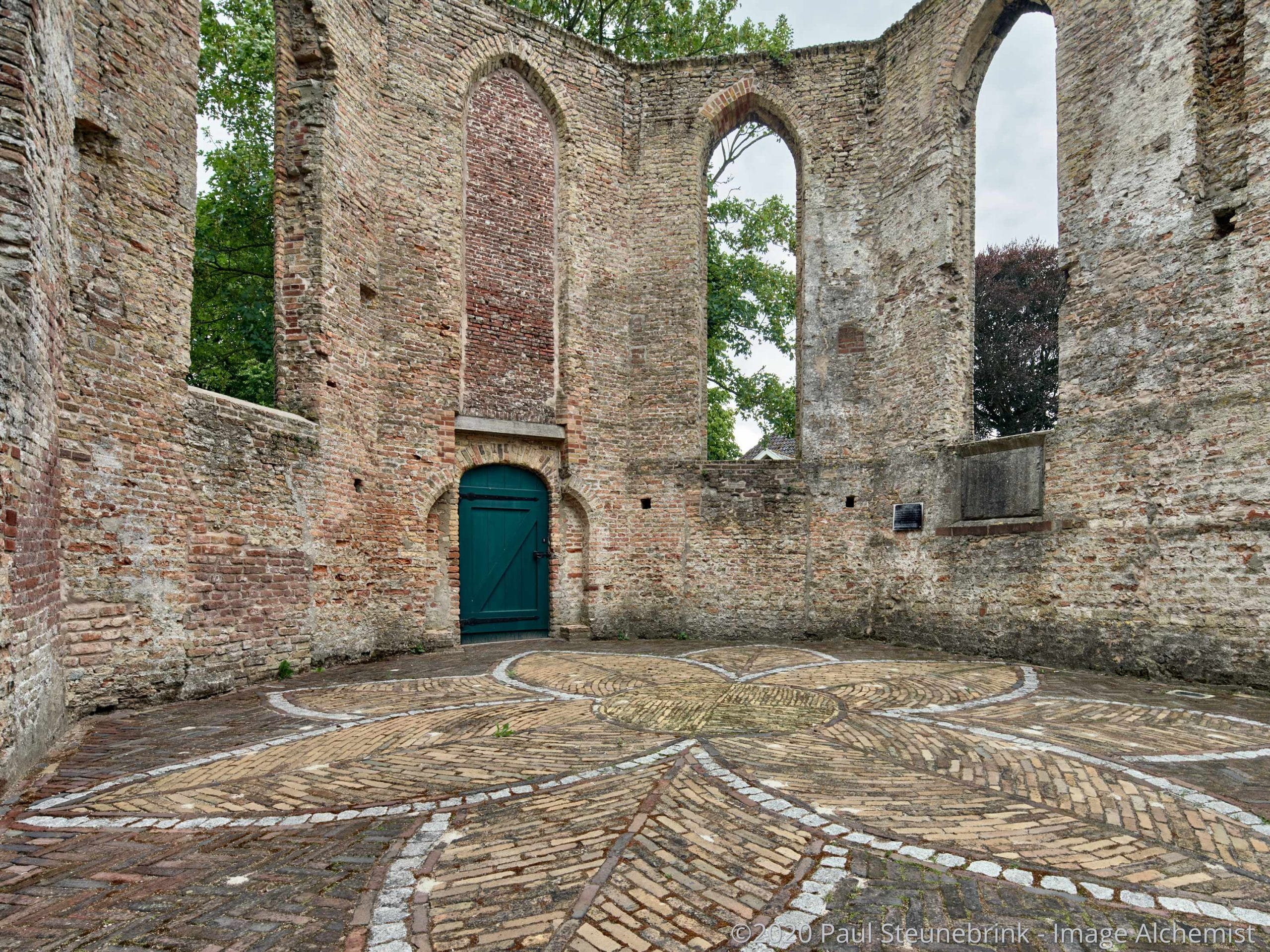 ruin of church, with style